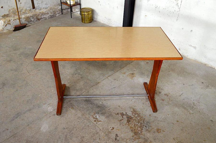 table de bistrot cl mentine vintage 1950. Black Bedroom Furniture Sets. Home Design Ideas