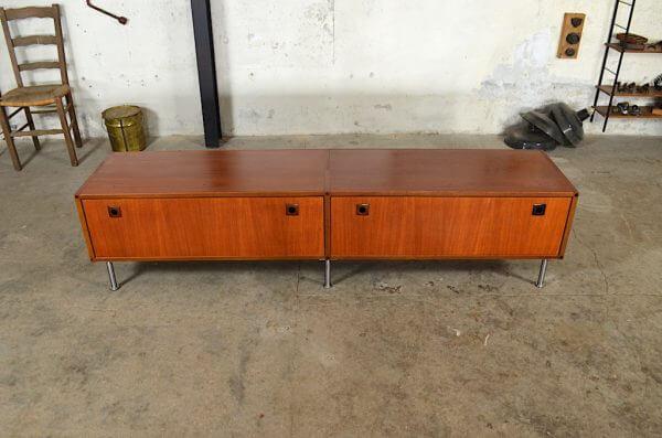 Enfilade Basse Maja en teck vintage 1960 Grand meuble bas design scandinave des années 60