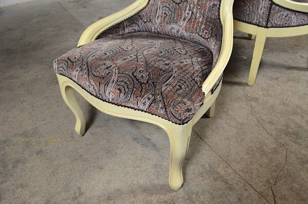 2 chauffeuses Amy et Mary style Louis XV shabby chic