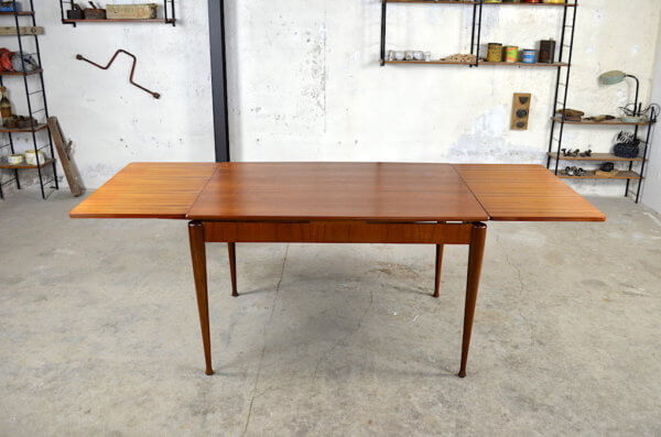 Table design scandinave Arlette 1960